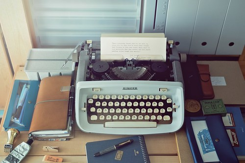 Keep a notebook with the Singer T-62 typewriter