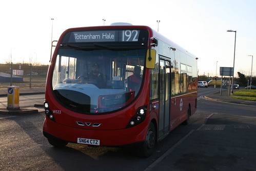 London General WS33 on Route 192, Northumberland Park
