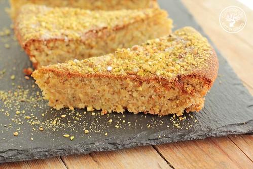 Tarta de almendras, pistacho y mascarpone www.cocinandoentreolivos.com (4)