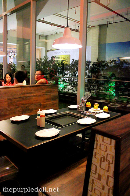 Slappy Cakes Eastwood Tables with Griddle