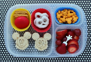 Mickey Mouse bento box school lunch