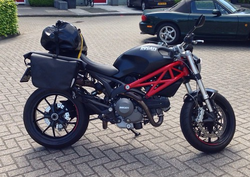 saddle bags on a 796 - ducati monster forums: ducati monster