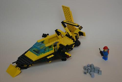 Deploying crane