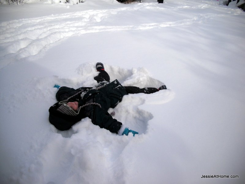 Vada-snow-angel