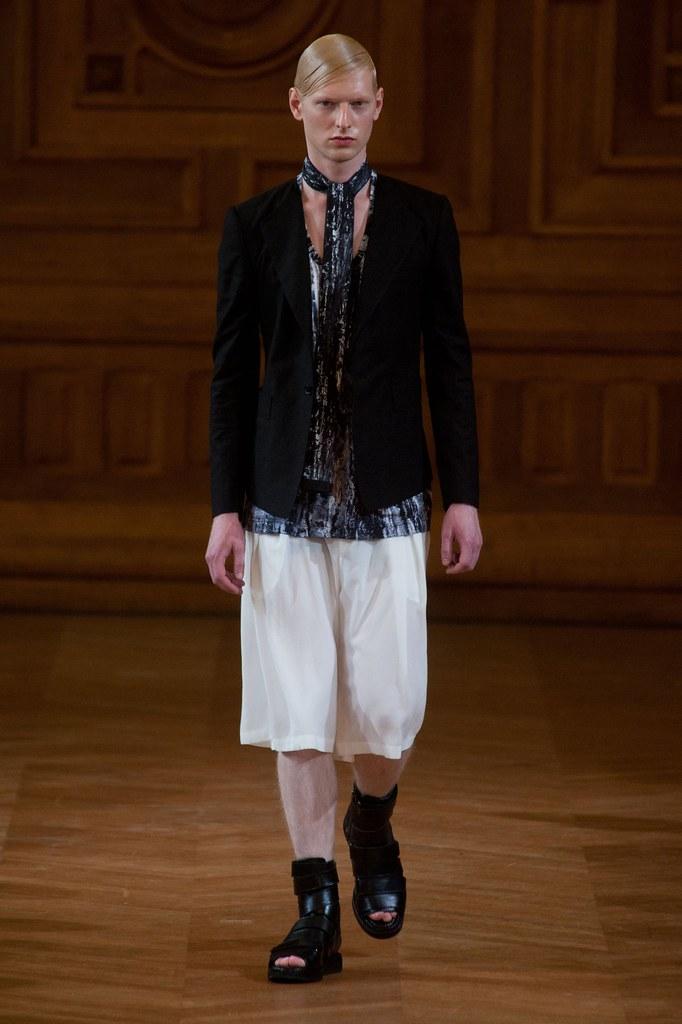 Diederik Van Der Lee3178_SS14 Paris Songzio(fashionising.com)