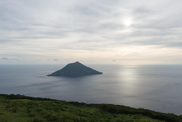 八丈富士から見た八丈小島