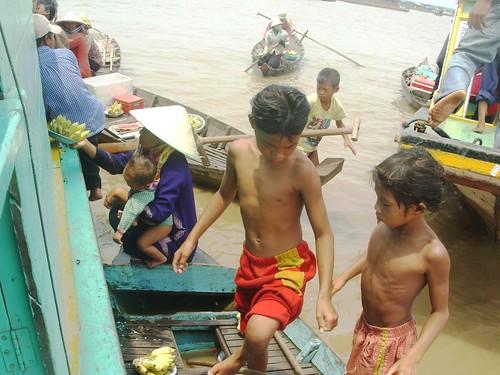 Phnom Penh-Siem Reap-bateau (10)