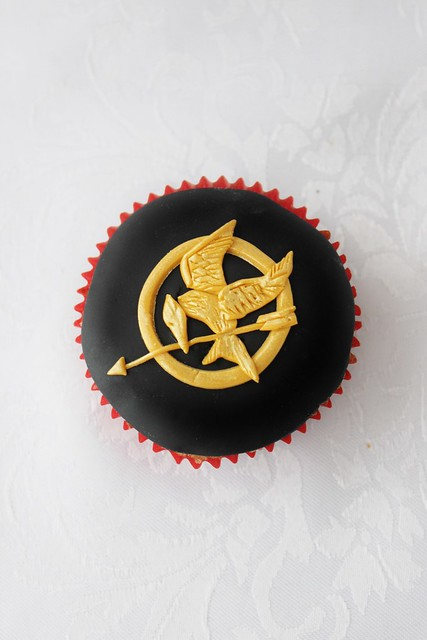 The Hunger Games Catching Fire Cupcakes