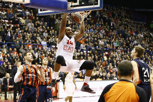Olimpia, a beautiful day: 83-76