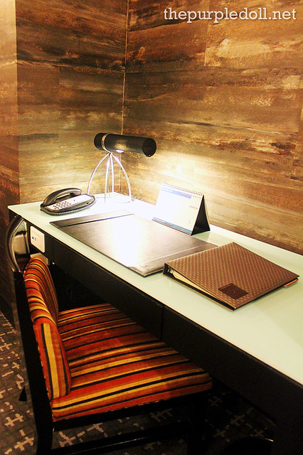 Bellevue Manila Signature Deluxe Working Desk