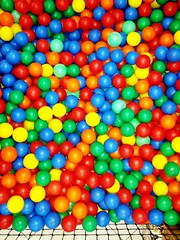 play(0.0), nonpareils(0.0), dessert(0.0), jelly bean(0.0), candy(1.0), confectionery(1.0), ball pit(1.0), food(1.0), toy(1.0),