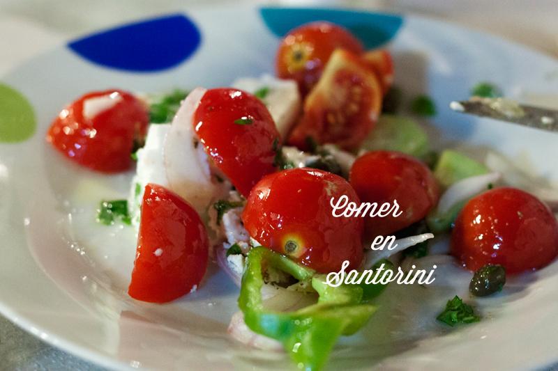 Comer en Santorini
