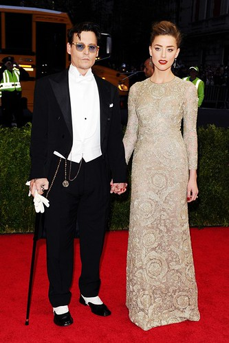 johnny-depp-amber-heard-vogue-6may14-pa_b_426x639