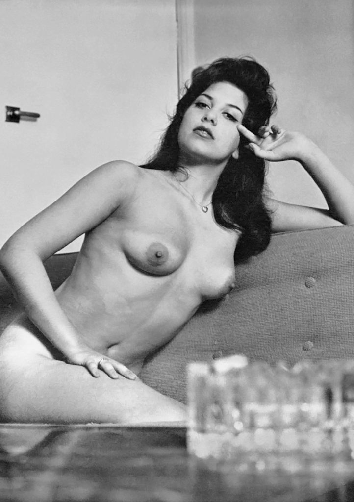 Naked yvonne carlo nude pic