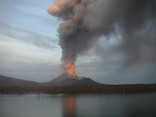 sunset sky cloud volcano sonnenuntergang outdoor wolken ash png papuanewguinea rabaul tavurvur tuvurvur cloudsstormssunsetssunrises
