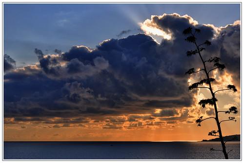 sunset mer paca nuage coucherdesoleil menton méditerranée alpesmaritimes provencealpescôtedazur