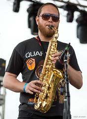bassist(0.0), string instrument(0.0), tuba(0.0), trumpet(0.0), guitarist(0.0), bass guitar(0.0), musician(1.0), woodwind instrument(1.0), saxophone(1.0), music(1.0), jazz(1.0), saxophonist(1.0), brass instrument(1.0), wind instrument(1.0),