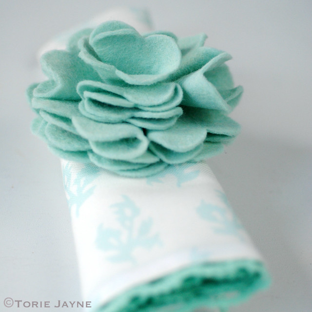 Felt flower napkin holder