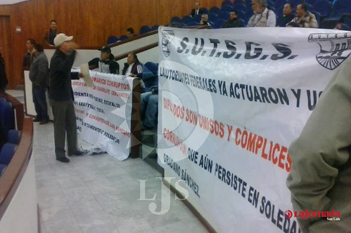 Confrontan sindicalistas soledenses a Calolo en el congreso