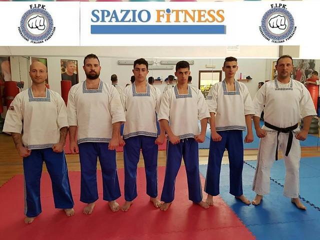 Gli atleti convocati in Nazionale assieme al maestro Filippo Faccilongo (sulla destra)