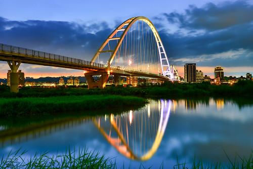 bridge light sunset reflection building river taiwan 台灣 shinjo 大漢溪 倒影 環河南路 新莊區 板橋區 newtaipei 新北市