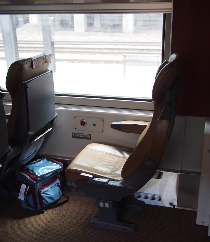 Single Seat on Amtrak: In both directions, I ended up in the single seat at the end of the Business Class car.