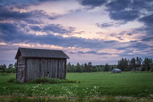 kastellintie raahe lasikangas ylipää field barn house forest clouds green summer june night finland