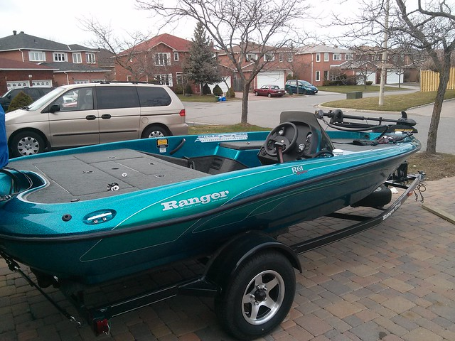 1999 Ranger R61 Bench seat replacement w/ bass boat seats