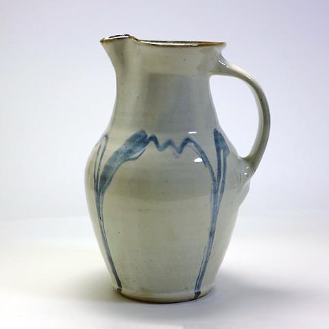 ふもと窯「ピッチャー/藁灰釉ポン描き(22cm)」
