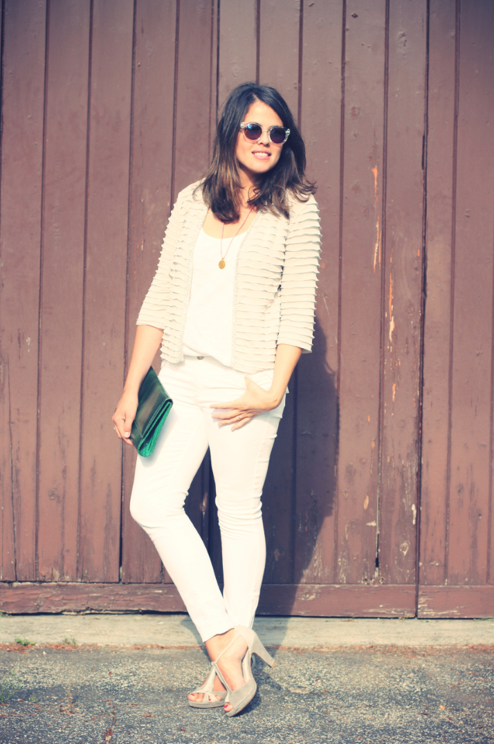 Look: Total white -Monicositas