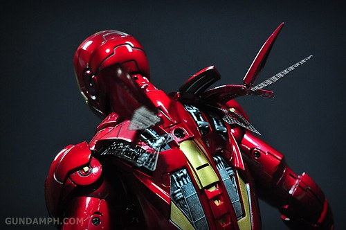 Hot Toys Iron Man 2 - Suit-Up Gantry with Mk IV Review MMS160 Unboxing - day1 (55)