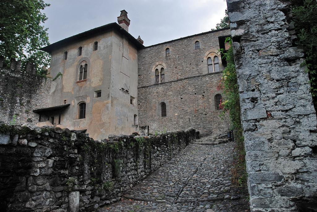 Otra vista del castillo. Autor, Juergen.mangelsdorf