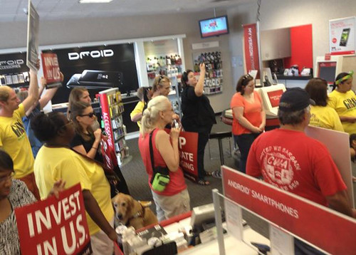 5_Verizon_Store_Protest