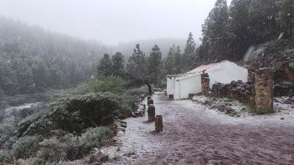 Fotos de la nieve en la cumbre de gran canaria enero 2014 - Ofertas canarias enero ...