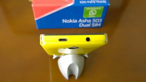 NOKIA Asha 503 Dual SIM 03