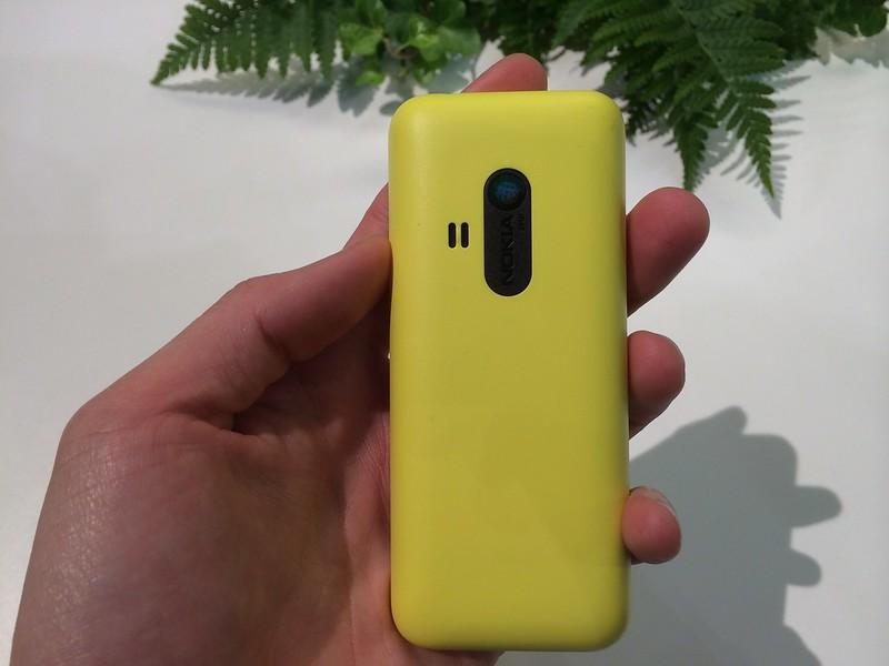 Nokia 220 - Back