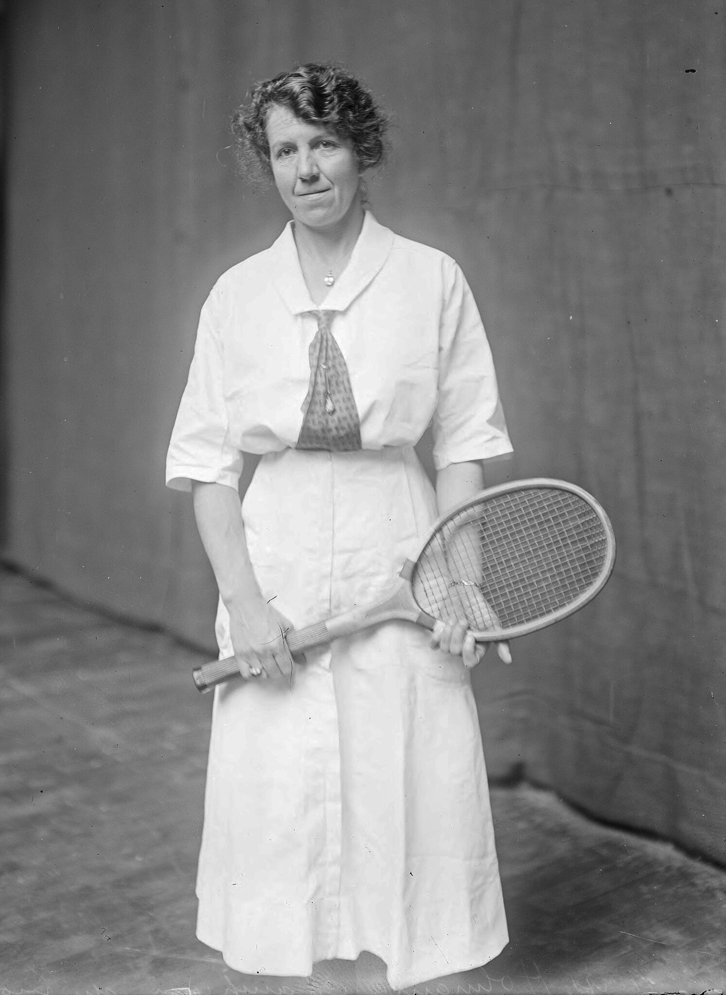 British tennis player Dorothy Holman, 1919