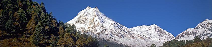 Nepal Trekking rund um den Manaslu. Der Manaslu, 8163 m, aus dem Buri Gandaki. Foto: Archiv Härter.