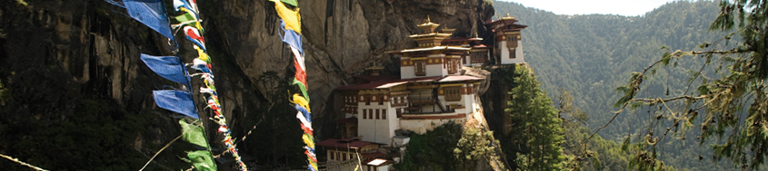 Komfort-Trekking Indien - Sikkim - Bhutan. Das Tigernest-Kloster bei Paro/Bhutan. Bild Archiv Härter.