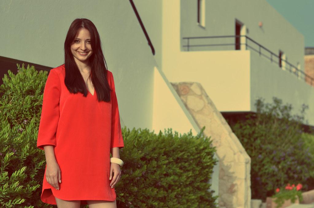 red dress crete 3