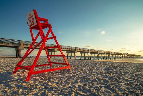 ocean blue red sea sky beach sunrise canon pier florida lifeguard 7d jacksonville efs1022mm agusvalenzphoto