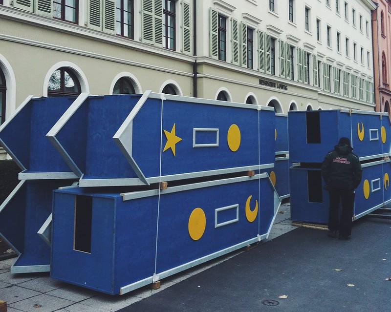 Wiesbaden Christmas market setup