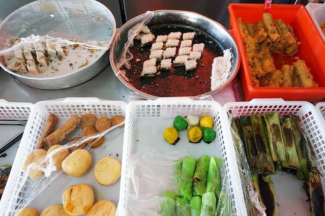 malay nyonya kuih in melaka - Perhentian kuih kampong-003