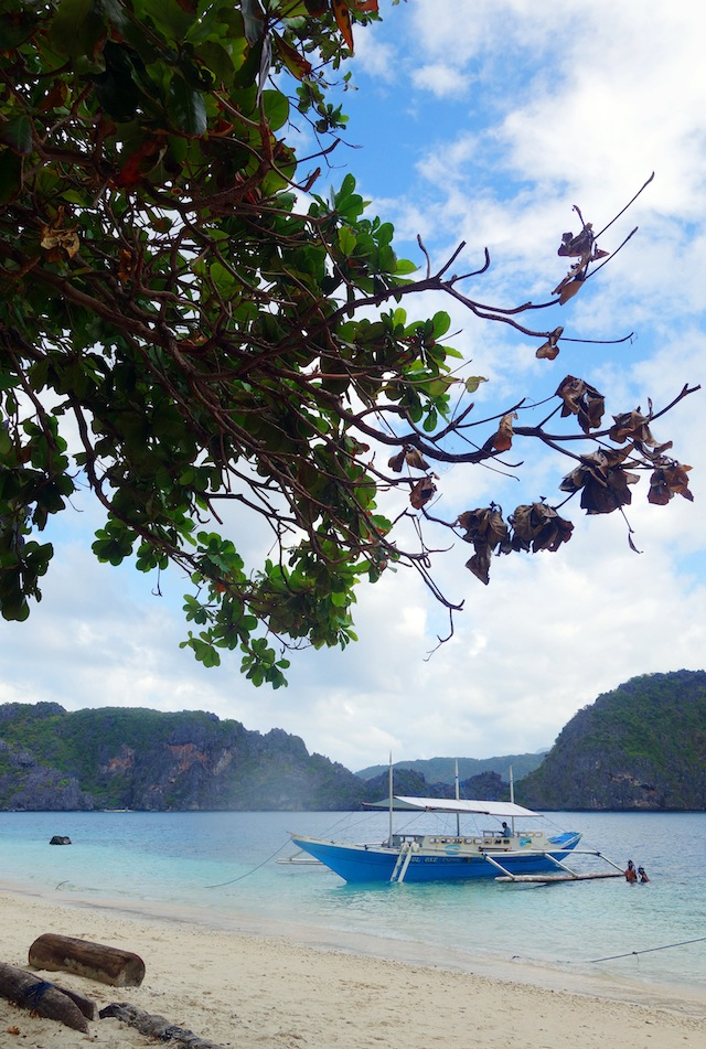 El Nido Palawan island hopping banca parked for lunch