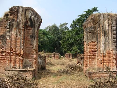 door india heritage monument gate entrance historic gateway residency entry lucknow uttarpradesh darwaza awadh