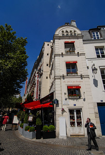 Le Couleur Rouge (a Paris)