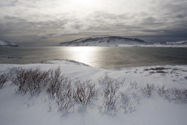 Снег, река, небо