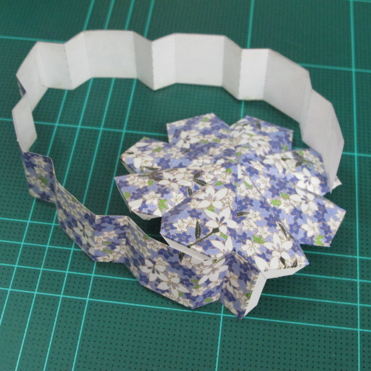 วิธีทำโมเดลกระดาษสำหรับตกแต่งทรงเรขาคณิต (Decor Geometry Papercraft Model) 007
