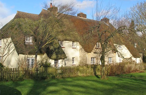 Cottages in Briantspuddle's Bladen Valley