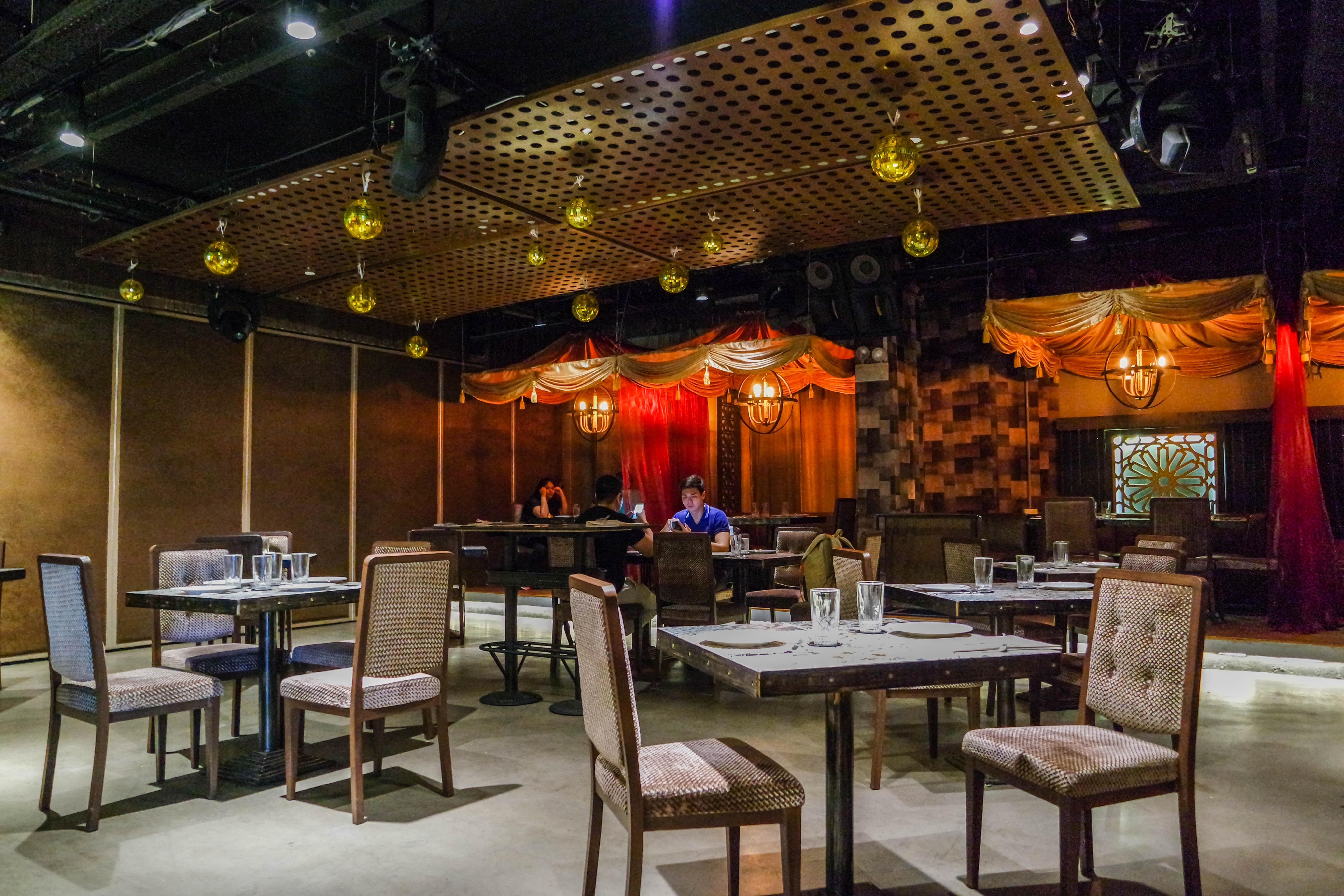 Aryaa-restaurant-4692